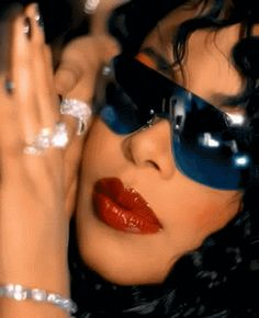 We need a resolution, we have so much confusion. Aaliyah H Aaliyah Singer, Rip Aaliyah, Aaliyah Style, Kali Uchis, Black Girl Aesthetic, 90s Aesthetic, Estilo Chola, Afro, Aaliyah Haughton