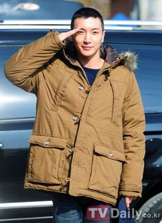 Leeteuk (이특) of Super Junior starts his  mandatory military service today (10/30/2012).  He will undergo 5 weeks of basic training at a training camp in Uijeongbu in Gyeonggi Province, followed by active duty for 21 months.