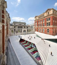 London's Victoria & Albert Museum, the global don of applied arts boasting superb collections of textiles, ceramics and metal wares, is adding more strings to its bow with a sleek new 'quarter' designed by AL_A, led by Amanda Levete. New facilities...