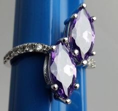 Stunning-Purple-Stones-Costume-Ring-Silvertone-Band-with-Accents-Size-8
