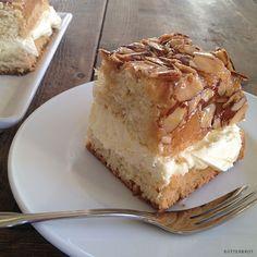 """Bienenstich (""""Bee Sting"""" Cake)"""