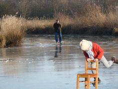 Leren schaatsen Personal Space, Its Cold Outside, Delft, Winter Time, Ice Skating, Rotterdam, Winter Wonderland, Childhood Memories, Netherlands