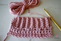 Wat is haken? Crochet Wool, Form Crochet, Crochet Poncho, Diy Crochet, Crochet Hats, Crochet Borders, Crochet Stitches, Granny Stripes, Sewing Paterns