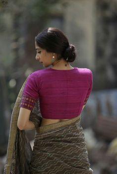 Cotton Saree Blouse, Sari Blouse, Saree Blouse Designs, Blouse Styles, Blouse Patterns, Sewing Patterns, Saree Jackets, Fashion Beauty, Women's Fashion