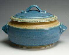 Handcrafted stoneware casserole serving dish 2.5 quart 1205