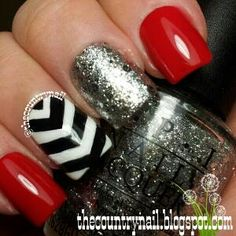 The Country Nail: Red Black & White Fun. Throw a bit of green in and you've got a fabulous Xmas option...