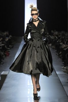 JEAN PAUL GAULTIER HAUTE COUTURE SPRING/SUMMER 2011 | Model: Frida Gustavsson