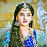 Feels great to see sooo many fan pages of Sweety Anushka here!😍😍😍 Mention your Anushka Shetty Fan Account in the comments below ❤❤❤ Here… Beautiful Girl Indian, Most Beautiful Indian Actress, Actress Anushka, Bollywood Actress, Prabhas Actor, Wedding Card Design Indian, Prabhas And Anushka, Anushka Photos, Indian Fashion Trends