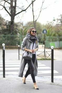 grauer mantel outfit wintermode trends streetstyle