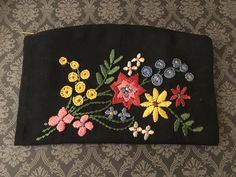 Vintage Embroidered Clutch, Floral Embroidered Clutch, Vintage Floral Embroidered Coin Purse by DartmouthHill on Etsy https://www.etsy.com/listing/273632154/vintage-embroidered-clutch-floral