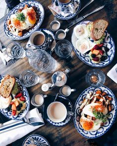 16 Adorable Breakfast Spots In Toronto You Need To Check Out At Least Once In Your Life - Narcity cafe 16 Adorable Breakfast Spots In Toronto You Need To Check Out At Least Once In Your Life Good Breakfast Places, Best Breakfast, Toronto Cafe, Visit Toronto, Toronto Travel, Ontario Travel, Fathers Day Brunch, Brunch Cafe, Toronto Canada