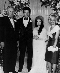 Elvis Presley married Priscilla Beaulieu on May 1967 at the Aladdin Hotel in Las Vegas in a private ceremony Lisa Marie Presley, Priscilla Presley Wedding, Elvis And Priscilla, Elvis Presley Family, Elvis Presley Photos, Graceland, Before Wedding, Wedding Day, 1960s Wedding Dresses