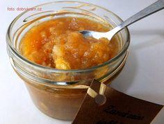 jablečný džem s lískovými ořechy