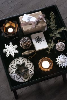 Lovely Christmas inspiration table, with paper-ornaments, votives and DayHome Christmas cards. Christmas Tree Wreath, Christmas Cards, Christmas Decorations, God Bless Us All, Paper Ornaments, Christmas Inspiration, Gift Wrapping, Table, Design