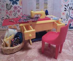 Renwal Vintage Dollhouse Furniture Old Fragile Pink Bathroom 3 4