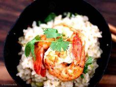Aprenda a preparar a receita de Arroz jasmim picante com coco, alho-poró e camarão