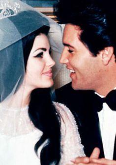 RT @killemallreanne: it'll be 46 years today @Cilla_Presley & @Darlene Watts got married  pic.twitter.com/Y2SnvRfEsL