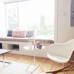 Geniet van de zon met een zitje in de vensterbank. Heb je een brede vensterbank dan kun je er een heerlijk bankje van maken!