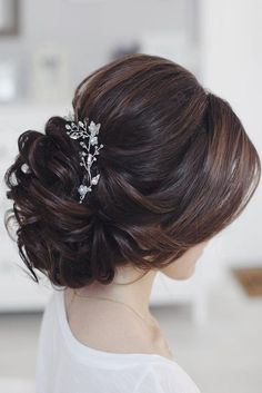 Beautiful wedding hair updo to inspire you - wedding updos for long hair,Jaw Dro. Beautiful wedding hair updo to inspire you - wedding updos for long hair,Jaw Dropping Bridal Upstyles & Wedding Hair Inspiration Loose Bun Hairstyles, Wedding Hairstyles For Long Hair, Wedding Hair And Makeup, Everyday Hairstyles, Bride Hairstyles, Hair Makeup, Hair Wedding, Hairstyle Ideas, Hairstyle Wedding