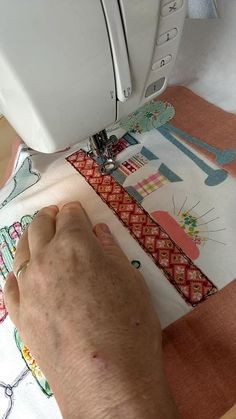 Sewing Machine Embroidery, Free Motion Embroidery, Machine Applique, Free Motion Quilting, Embroidery Applique, Embroidery Techniques, Sewing Techniques, Sewing Art, Sewing Crafts