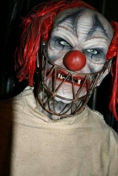 Monster Bozo - a member of the Bozo gang in Freak City. Halloween Circus, Circus Clown, Halloween Make, Creepy Carnival, Creepy Clown, Carnival Themes, Horror Art, Horror Movies, Clown Horror