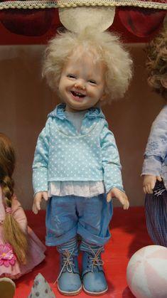 Только сегодня я вернулась домой из Москвы, с Весеннего Бала кукол на Тишинке. Это были 4 феерически прекрасных дня! Это было кукольное сказочное Пространство, помноженное на весенний мартовский Праздник!