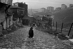 28 stunning black and white photographs documented daily life in Istanbul during the 1950s