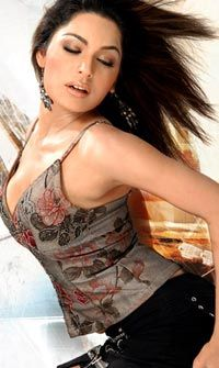 Does Pakistani Actress Meera Has In Her The Calibre To Compete With Bollywood A List Actresses