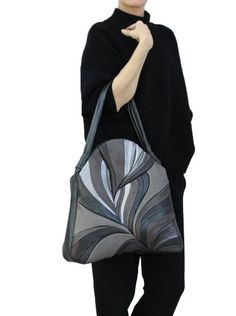 Stylish leather bag / Handbags for women. Яр… Stylish leather bag / Handbags for women. Plain, combined - Source by Bags handbags Patchwork Bags, Quilted Bag, Handmade Handbags, Handmade Bags, Leather Purses, Leather Bag, Black Leather, Artisanats Denim, Denim Tote Bags