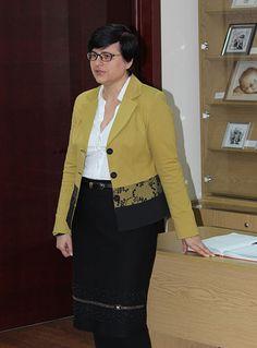 Керівник клубу «Успіх» Валентина Анатоліївна Зологіна розповідає про стилі та техніки вишивки та традиції майстринь Слобожанщини