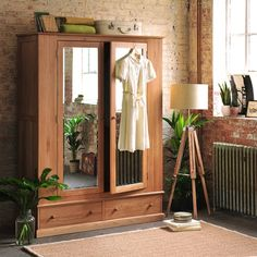 Appleby Oak Wide Double Wardrobe with Mirrors (W111) with Free Delivery | The Cotswold Company - GOWGR