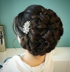 Soft elegant curls #updo #glamorous #ranias_hair_salon #wedding #beautiful #eveninghairdo #hairpiece #can'tgowrong