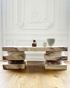 obsessed with this marble bench Furniture Market, Home Furniture, Furniture Design, Marble Furniture, Vintage Furniture, Office Interior Design, Office Interiors, Exterior Design, Marble Art