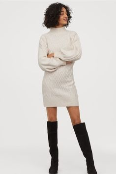 Short dress in soft cable-knit fabric with wool content. Stand-up collar dropped shoulders and long balloon sleeves. Ribbing at cuffs and hem. Polyester content is recycled. Daily Fashion, Everyday Fashion, Trendy Fashion, Long Balloons, Dress Stand, Leather Mini Skirts, Light Beige, Fashion Company, Mannequin