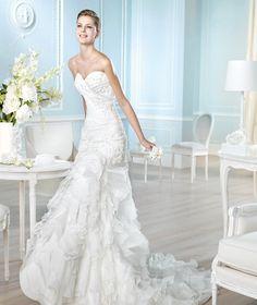 SAN PATRICK Eresma Talla 4 De la colección Glamour del 2014 este modelo estilo sirena está en perfecto estado, como nuevo y ya lo podés encontrar en nuestra tienda a c...