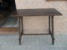 mesa de madera torneada