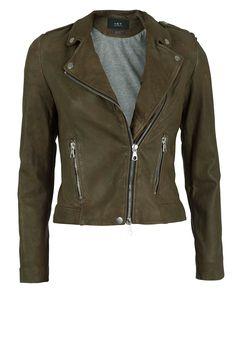 SEASON MUSTHAVES | Leather jacket Tyler: http://www.littlesoho.com/leren-jasje-tyler-kaki-p-29664.html