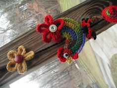I think my creative crochet mojo has cranked up to full gear. I have been happily crocheting roosters this week! And check out the peace s...