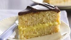 Boston Cream Pie Enjoy this rich pie made with layers of cake and custard – a perfect dessert treat with chocolate glaze. Cream Pie Recipes, Cake Recipes, Amish Recipes, Fun Recipes, Frosting Recipes, Copycat Recipes, Delicious Recipes, Dessert Recipes, Vegetarian Bake
