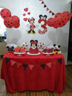 Niver maria Puppy Birthday Cakes, Girl 2nd Birthday, Mickey Mouse Birthday, 3rd Birthday Parties, Birthday Party Decorations, Winter Onederland Party Girl 1st Birthdays, Minnie Mouse Cake, Party Party, Party Favors