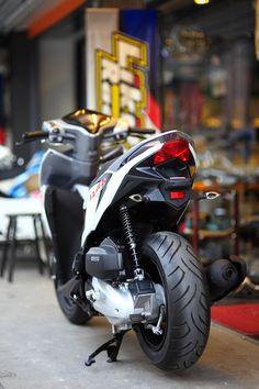 Vario 125 big tire