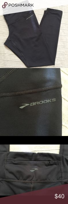 PRICE ✂️ Brooks Equilibrium Tech Running Tights L Brooks for Women  Equilibrium Technology Running Tights Size Large NWOT Brooks Pants Track Pants & Joggers