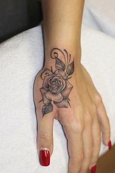 Pretty Hand Tattoos, Simple Hand Tattoos, Mandala Hand Tattoos, Hand Tattoos For Girls, Rose Hand Tattoo, Rose Tattoos For Women, Wrist Tattoos For Guys, Tattoo Designs For Women, Tattoos For Women Small