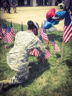 PFC Colbert Aleshiaa Colbert shows her respect for the falling marines today. #Noogastrong We will remember the falling marines 07/16/15    From Keaira Colbert & WDEF News 12