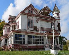 Abandoned Victorian home; How could this be abandoned? Even rundown it's beautiful.