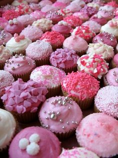 Lots of pink cupcakes