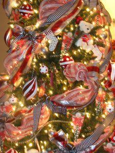 Decorating ur tree