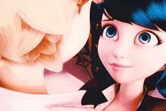 Aaww. Marinette & Adrien. Love.
