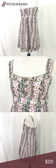 Jessica Simpson Floral Cotton Sun dress 10 EUC cotton lined sun dress. Smocked back and adjustable straps. Label Jessica Simpson Size 10 Bust I stretched 36 Empire Waist 30 Length 36 Jessica Simpson Dresses Mini