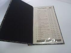 Capa dura, impressos em hot stamp digital, acabamento em laminação fosca, costura japonesa ou parafusos metálicos.ekopapel.com.br
